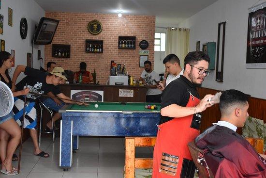 Navalha's Pub & Barbershop