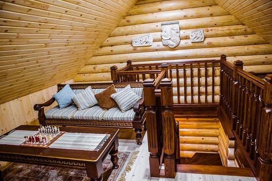 """Usadba Baths Complex: Баня на дровах """"Греция"""", комната отдыха на 2 этаже"""