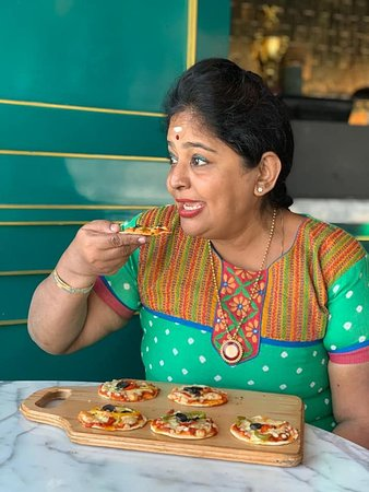 """""""JLWA"""" means """"Style"""" & i am at a restaurant situated in South end Mumbai area i.e Bandra.It has various styles of cuisines whether its Indian,European,Afghani,Pakistani dishes to name a few.Basically its a casual dining restaurant which has varieties in it."""