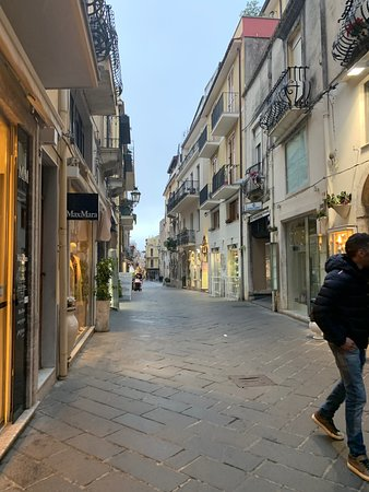 corso umberto taormina all you need to know before you