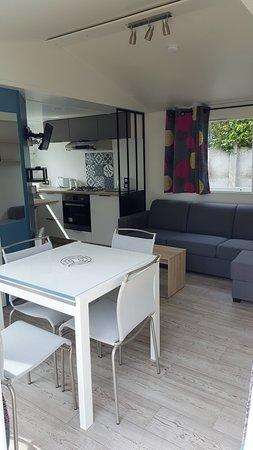 Verton, Francuska: La pièce principale de nos mobil-home 2 chambres