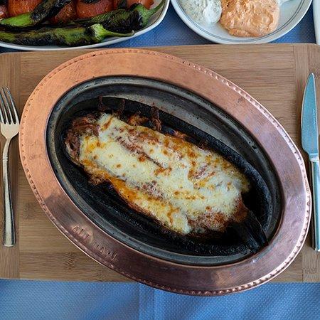 Ali Dayi Balik Restaurant: KİREMİTTE KAŞARLI ALABALIK