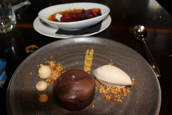 chocolate fondant and creme brulee