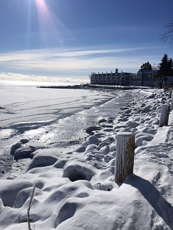 Tofte, MN: Lake Superior shore in January