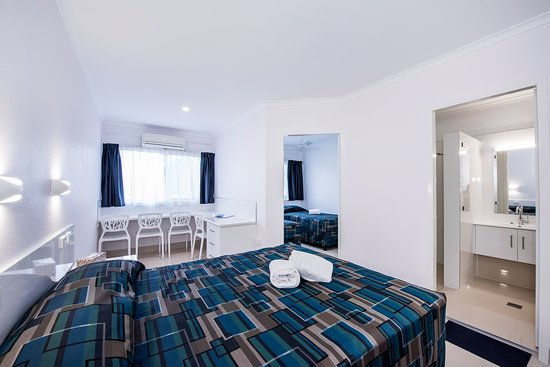 Casa Nostra Motel Mackay: Our new 2 bedroom fully self contained room, tiles through out fully renovated to a 4****Star motel in Mackay.
