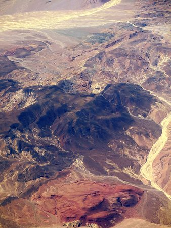 United Airlines: UA2218 LAS to LAX 737-800 FC Seat 3F - Mojave National Preserve and Death Valley