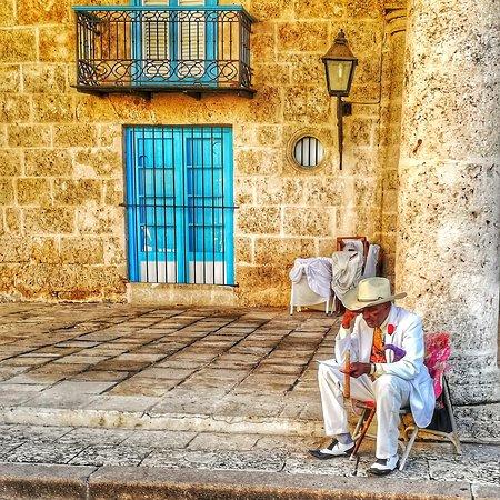 Cuando las tradiciones viven 🇨🇺😁😍😊😂😆. Havana Free Tour.