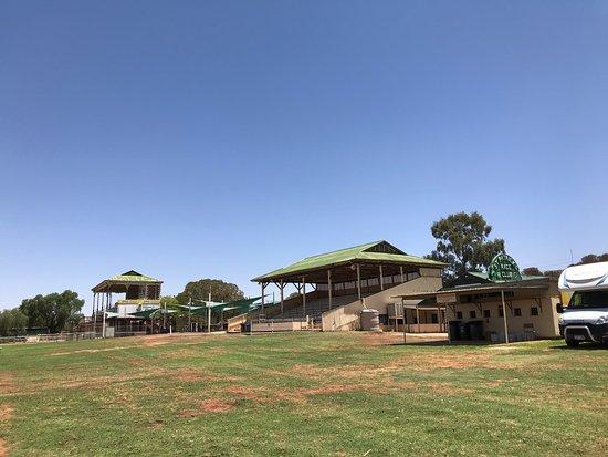 Broken Hill Racecourse Camping Ground