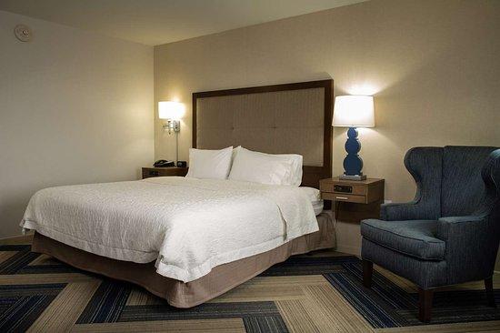 Hampton Inn & Suites La Crosse Downtown