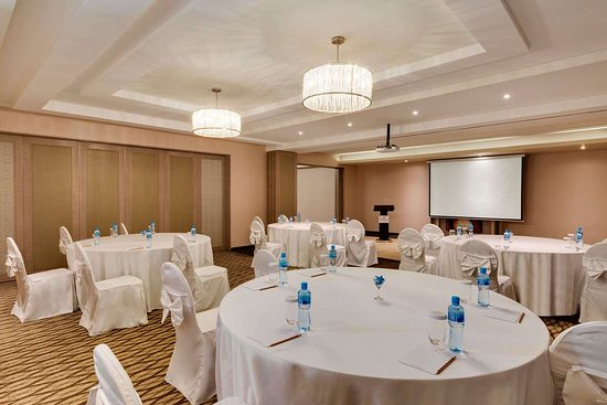 Ramada Hotel & Suites by Wyndham Amwaj Islands Manama: Meeting Room