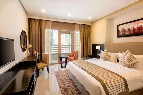Ramada Hotel & Suites by Wyndham Amwaj Islands Manama: Suite