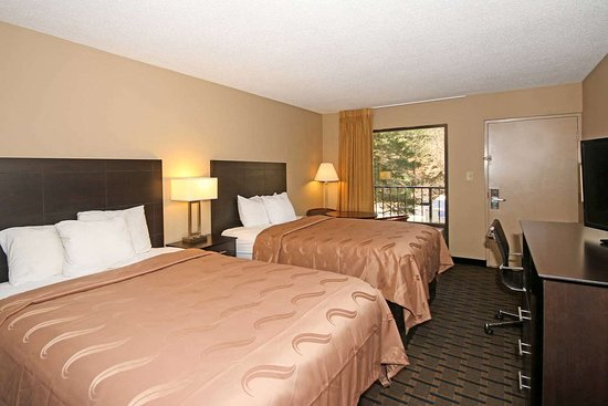 Clinton, SC: Guest room with queen bed(s)