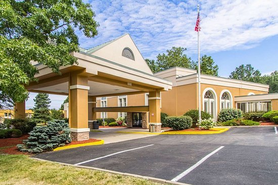Wickliffe, OH: Hotel exterior