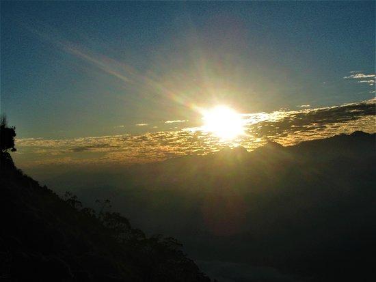 Minca, Colombia: Un hermoso amanecer desde la montaña mas alta del mundo cerca al mar
