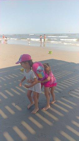 Ocean City Beach: Beach hugs