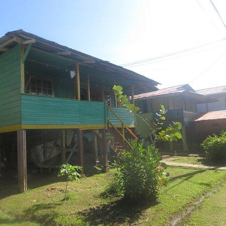 Isla Bastimentos, Panama: Inizia la passeggiata verso le spiagge