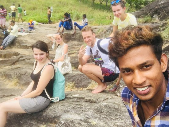 while doing a day tour.  We stoped at Diyaluma Waterfall