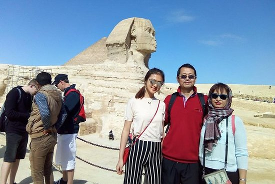 Giza pyramids sphinx tour and dinner...