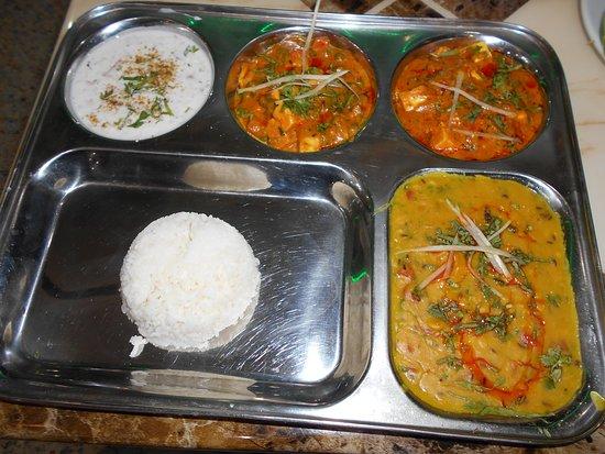 Indian Rasoi Restaurant: Thali
