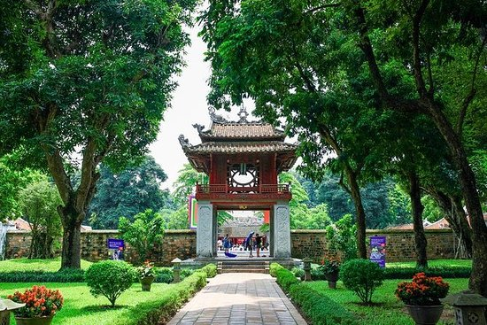 Hanoi Must-See City Full Day: Museo...
