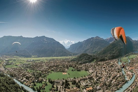Interlaken - Paraglide Experience day...