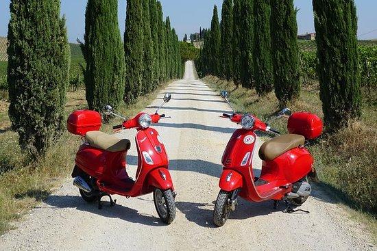 San Gimignano Vespa Tour - 1 Vespa...