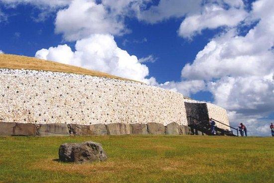 Newgrange and Hill of Tara Tour from Dublin