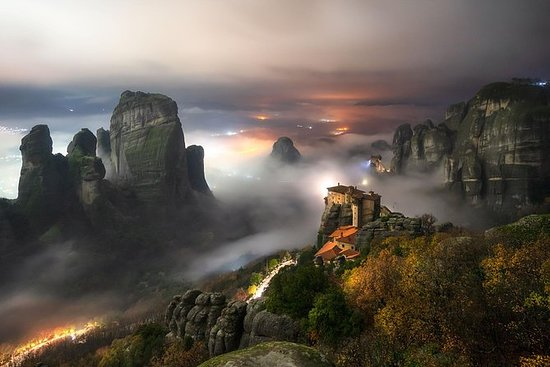 PRIVATE METEORA BY NIGHT PHOTOGRAPHY...