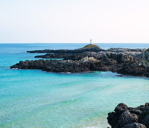 Iki, Japan: 灯台が見える風景。