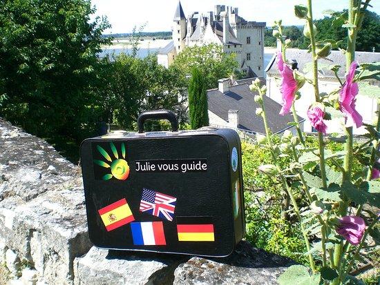 Julievousguide. Découvrez le patrimoine de façon ludique au cours de visites guidées à Angers et dans la Vallée de la Loire.