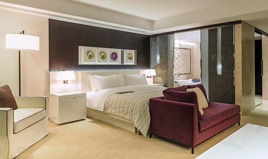 Le Royal Club Room