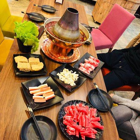 Traditional Chengdu Hotpot