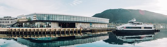 You find Tromsø's Official Tourist Information Centre at Treomsø Port Terminal, Prostneset. Photo: Vegard Stien