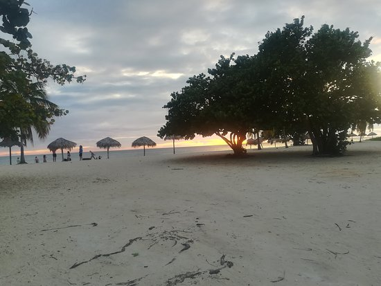 Trinidad, Cuba: spiaggia inizio tramonto