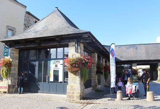Rochefort en Terre, Franciaország: Office de Tourisme de Rochefort-en-Terre situé 3 place des Halles au coeur du village.