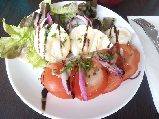 Hotel Kyriad Lisieux: Tomates/Mozzarella