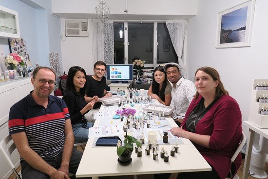 Intime Artisan de Parfum: Welcome French pals for bespoke perfume making
