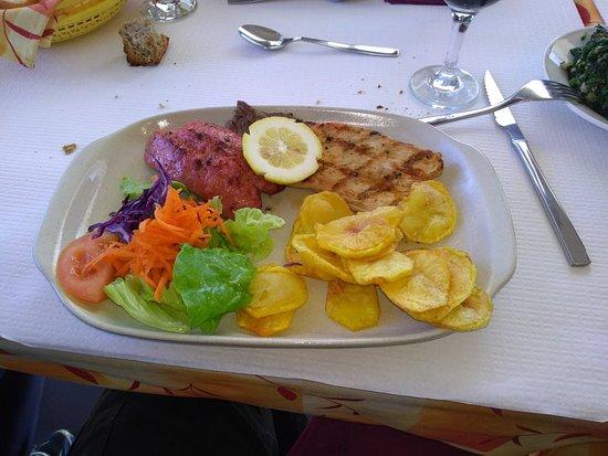 Ansiao, Portugal: Comida boa, bom atendimento, otimo ambiente, preço nada caro.