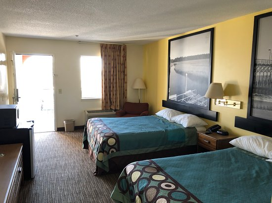 Super 8 by Wyndham Florence Photo