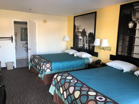 Pictures of Super 8 by Wyndham Florence - Florence Photos - Tripadvisor