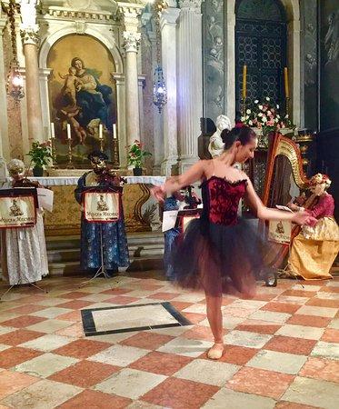 Scuola Grande dei Carmine For Vivaldi's 4 Seasons w Ballerina & Masked Mini Orchestra