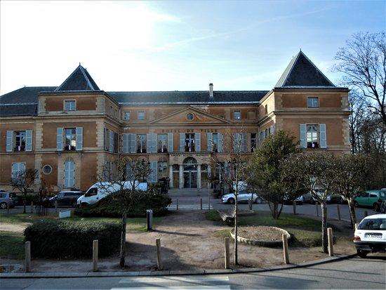 Le Château (Mairie)