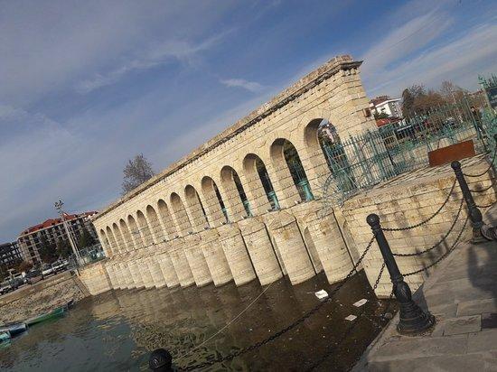 Beysehir, Turkije: Göle bakan köprü