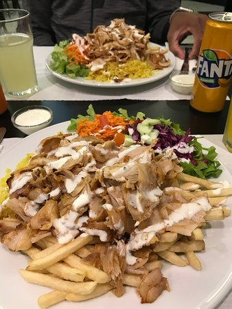 El Sahara Kebab: Massive plate with chicken kebab.