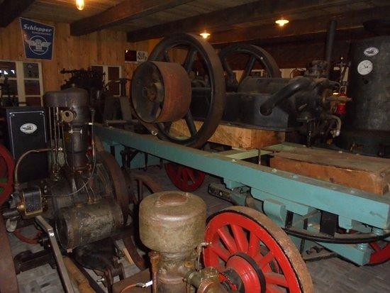 Westfalische Deutzer Motoren Samlung A&W Heitmann: some of the very old tractor