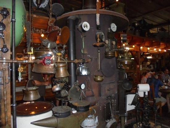 Westfalische Deutzer Motoren Samlung A&W Heitmann: the pub and the strange stube