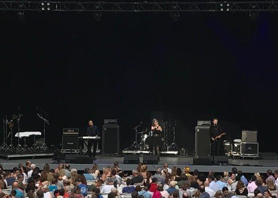 "Chastain Park Amphitheater: 08-05-18 ""Nu Shooz.""  Surprisingly good!"