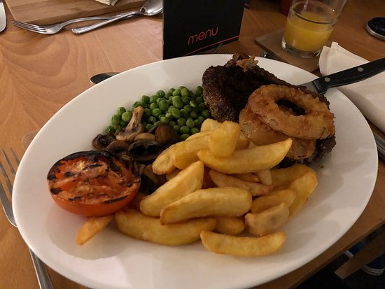 CJ's Restaurant & Bar: Really high quality food at a really good price, highly recommended!
