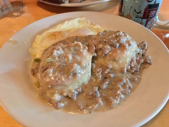 เพรสคอตต์, วิสคอนซิน: 07-21-18 Biscuits & Gravy with over-easy eggs.