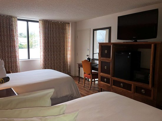 Magnolia Bluffs Casino Hotel, BW Premier Collection: Two-Full Size Guest Room